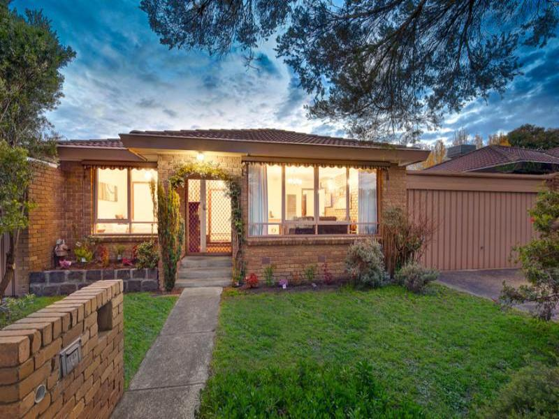 2/13 Tyndall Street, in Kennealy St, Surrey Hills, Vic 3127 3127